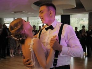 "Pierwszy taniec Ani i Rafała – Maroon 5 ""Sugar"""